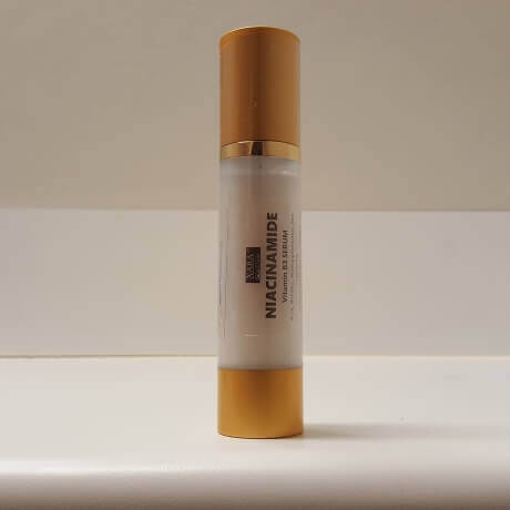 Vitamin B niacinamide serum Skin lightening hyperpigmentation